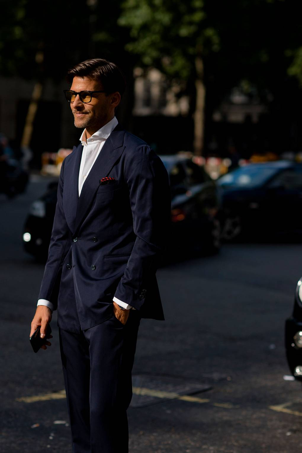 London Fashion Week Men's S/S 2019 Man in Navy Two-Piece Suit
